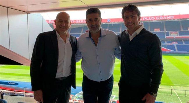 Angelici junto a los dirigentes del PSG