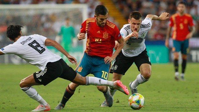 Dani Ceballos con la selección