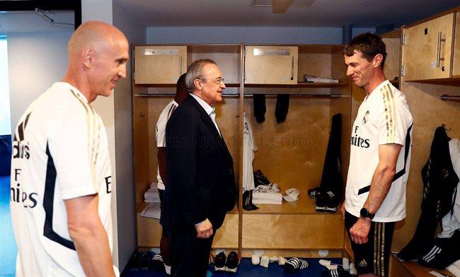 Florentino Pérez y el cuerpo técnico del Madrid