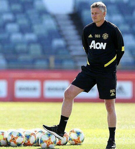 El entrenador del Manchester, en un entreno