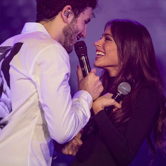 La pareja en un concierto