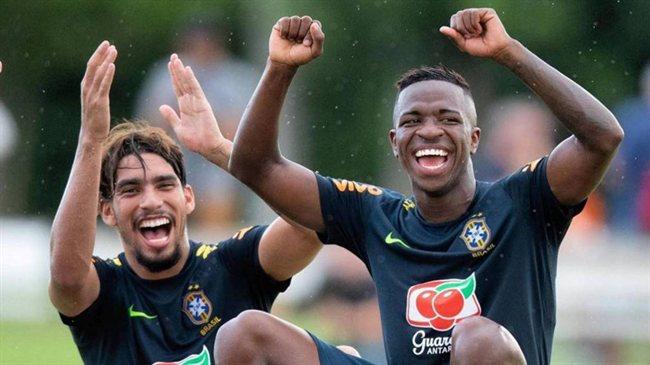 Vinicius con Brasil