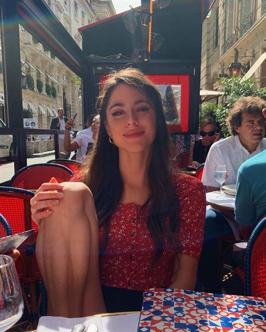 Tini Stoessel, en París