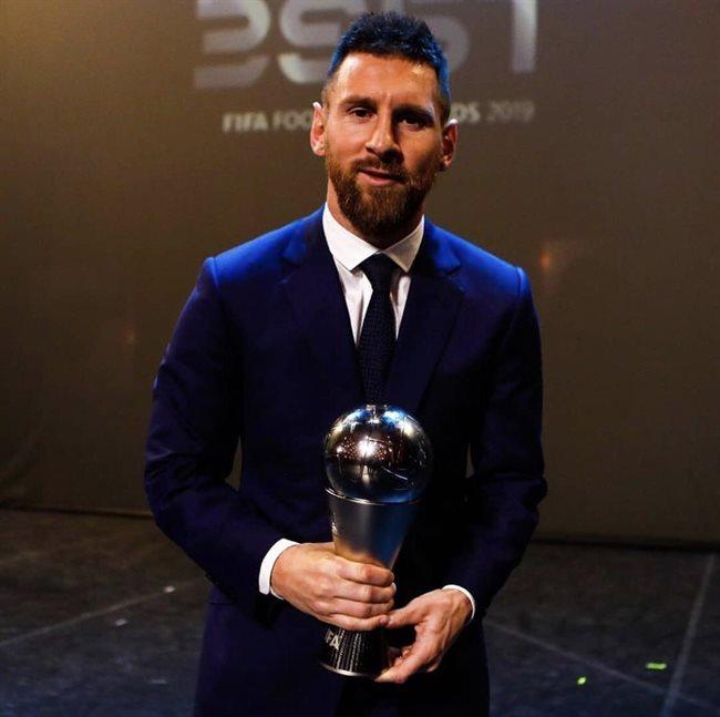 Leo Messi, con el premio The Best
