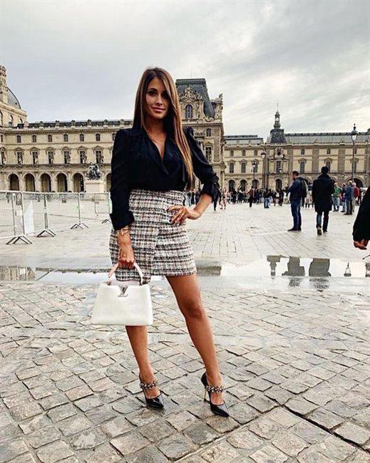 Antonella posa en París
