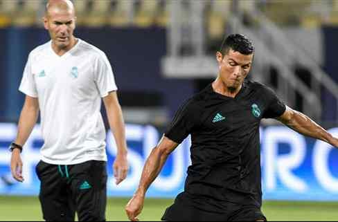 Zidane negocia (y pacta) la fuga de un titular del Real Madrid a su nuevo equipo
