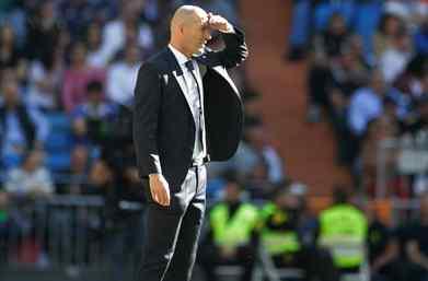 Zidane veta el fichaje de un delantero de Florentino Pérez para el Real Madrid