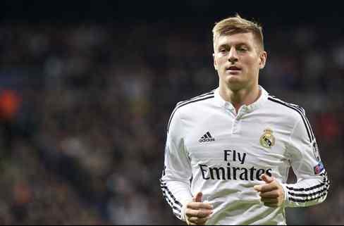 La sorpresa de Florentino Pérez para cargarse a Kroos es un crack que quiere el Barça (y es barato)