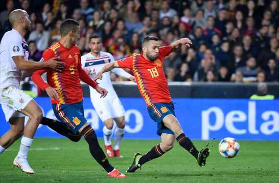 Guiño de Jordi Alba al jugador de la selección española que Messi no quiere en el Barça