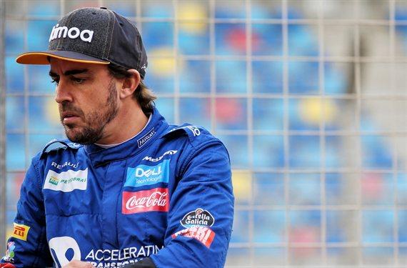 """""""Payaso"""", """"Chulo"""", """"Fantasma"""" y """"Acabado"""". Fernando Alonso recibe de lo lindo por su última vacilada"""