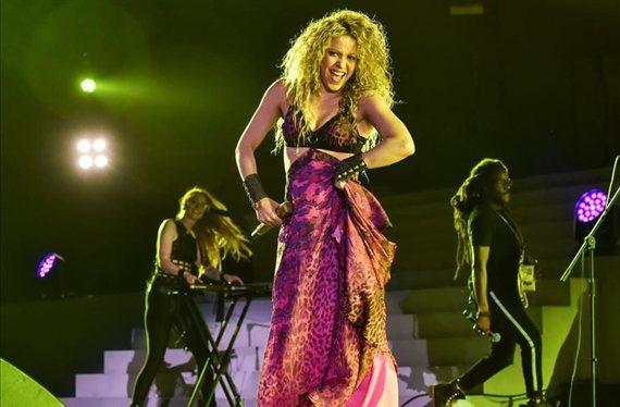 Shakira revoluciona España con una foto con una faja (y sin ropa)