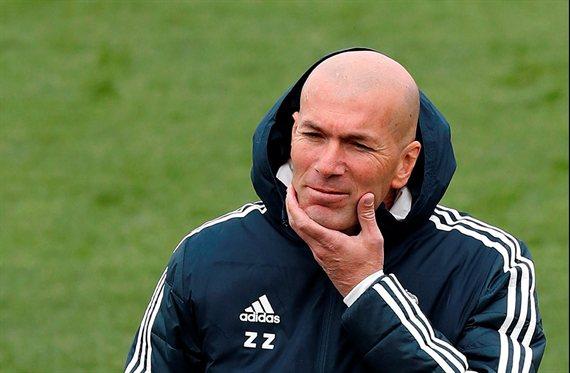 Estalla la bomba. Peligra un puntal de Zidane. Cuatro millones y un fichaje para que se quede