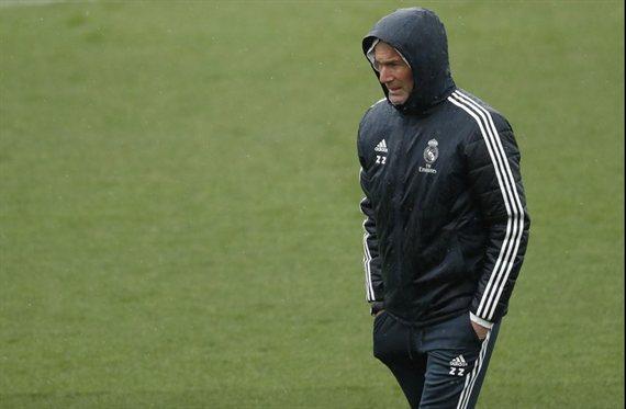 Zidane se lo carga. El titular (y hay sorpresa) que huele a muerto en el Real Madrid