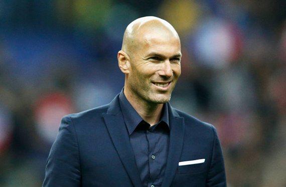 Llama a Zidane. Quiere negociar con Florentino Pérez. Y se baja el sueldo