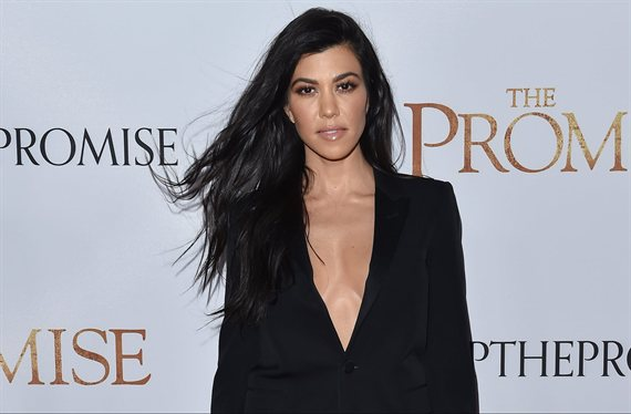 El bikini de hilo de Kardashian (a lo Jennifer López) que calienta EEUU