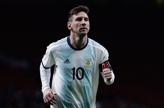 Deja tirado a Messi y busca casa en Londres: fuga en el Barça