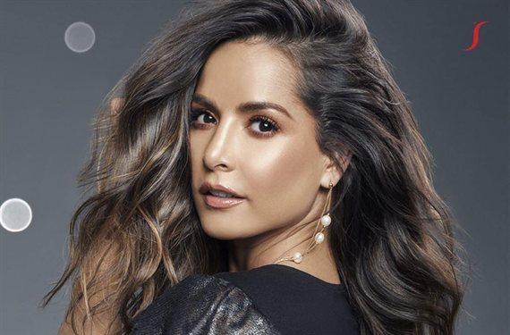 "El escote de Carmen Villalobos a lo Kardashian: ""¡Diosa!"""