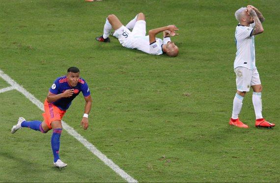 Pesadilla: Argentina cayó 2-0 con Colombia en el inicio de la Copa América
