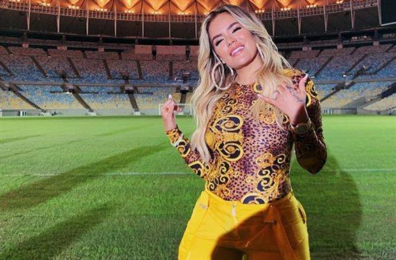 Karol G humilla a Shakira con un foto que bate records
