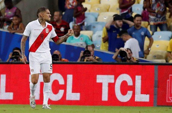 Perú venció 3-1 a Bolivia y se encamina hacia los cuartos de final