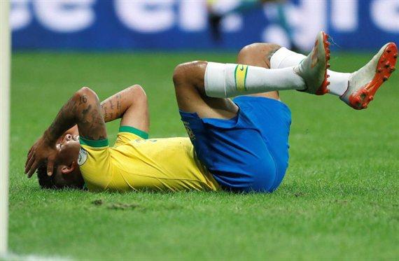 Polémica en el VAR: a Brasil le anularon dos goles e igualó con Venezuela