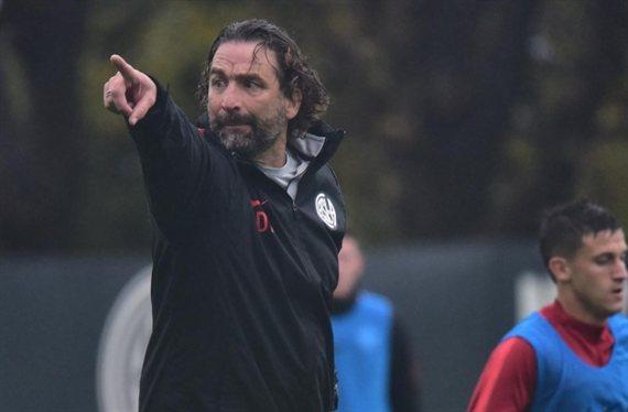 Pizzi aguarda por más refuerzos y borró a siete futbolistas en San Lorenzo