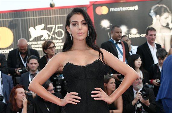 El modelito de Georgina Rodríguez para ir a la playa (y hay sorpresa)