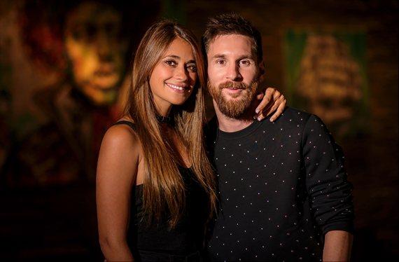"""La foto íntima de Antonella Roccuzzo y Messi: """"¡Saltan chipas!"""""""