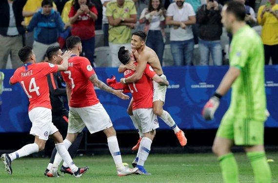 Con el VAR como protagonista, Chile venció a Colombia por penales