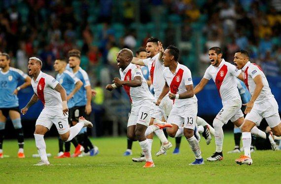 VAR a la semifinal: Perú venció a Uruguay por penales y enfrentará a Chile