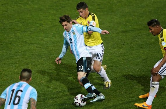 El palo tremendo de James Rodríguez a Messi que revienta la Copa América