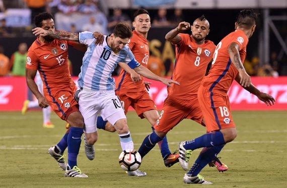 Argentina-Chile, la revancha más esperada en el lugar menos deseado