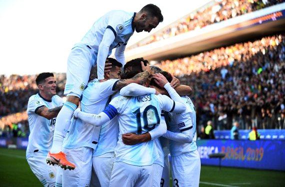 En un partido polémico, Argentina venció a Chile y obtuvo el tercer puesto