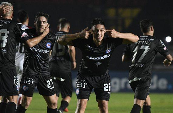 Lo picó el Bicho: Argentinos venció a Colón por la Copa Sudamericana