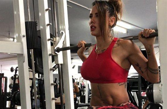 """Sonia Isaza la lía en bikini con una amiga de Arturo Vidal: """"¡Diosas!"""""""