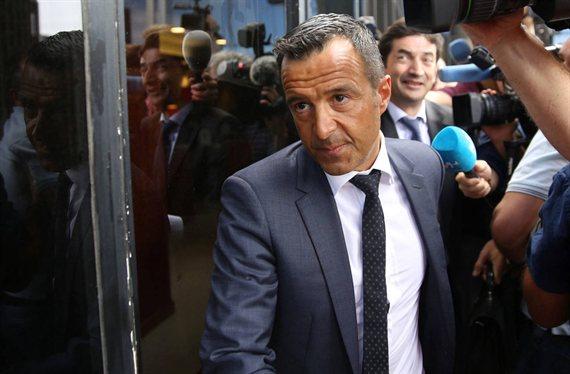 Jorge Mendes ofrece a Florentino Pérez a un posible relevo de Casemiro