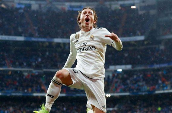 Llama a Florentino Pérez: quiere ser el relevo de Modric (y es un tapado)