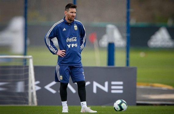 """Messi avisa: """"Tiene que venir"""" (No es Neymar y molesta a un amigo)"""