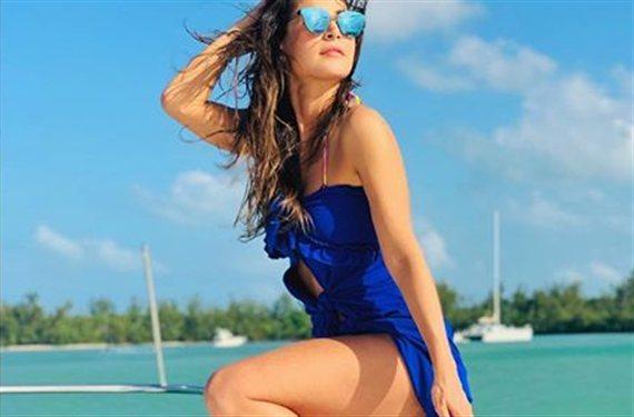 ¡Carmen Villalobos mojada, en tanga y con pedrusco!: de locos