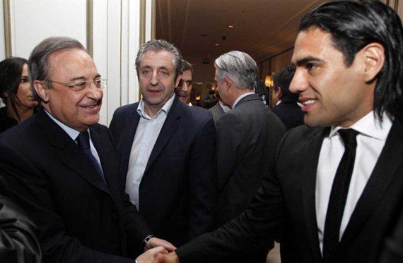 Florentino Pérez 'ficha' a Radamel Falcao (¡y lo vende!)