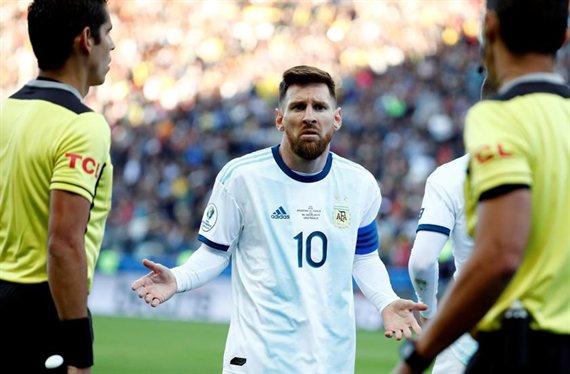 ¡Quiero jugar allí y me voy!: el Barça se derrumba, un titular se va
