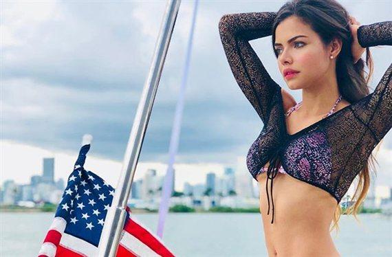 ¡Linda Palacio para el tráfico de Los Ángeles con el modelito más bestia!