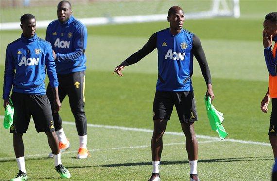 ¡Os damos a estos tres y vosotros a Paul Pogba!, el Manchester decide