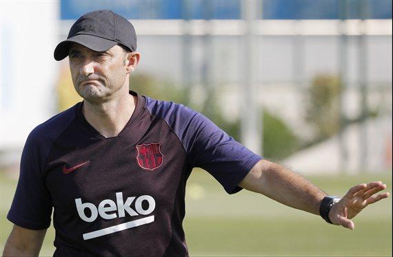 Valverde lo quiere fuera. Messi lo defiende. Y tiene tres ofertas