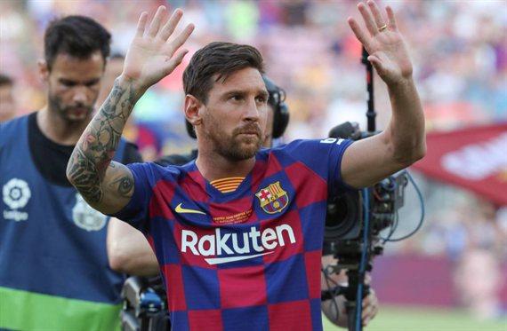 Messi echa a patadas a un crack del Barça (y se niega a salir)