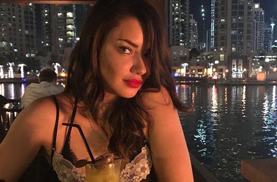 Escándalo: Adriana Lima se lo quita todo ¡y vaya sorpresa!