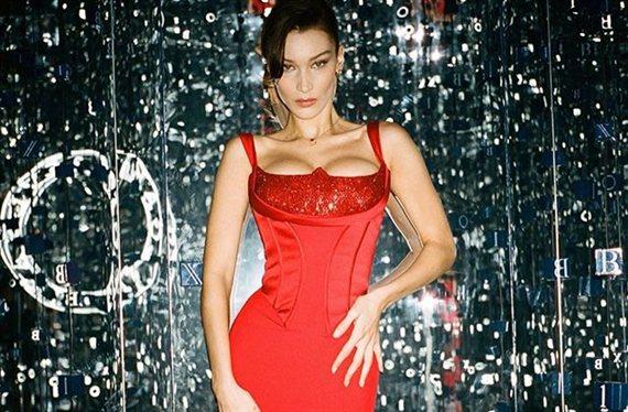 Calvin Klein lo peta con estas fotos de Naomi Campbell y Bella Hadid