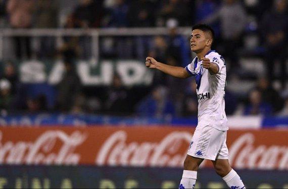 Thiago Almada aún no renovó con Vélez y podría llegar a Boca gratis
