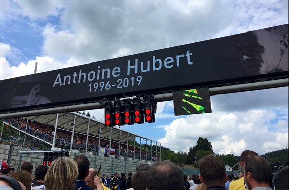 Lewis Hamilton conmocionado en directo con el choque de Anthoine Hubert