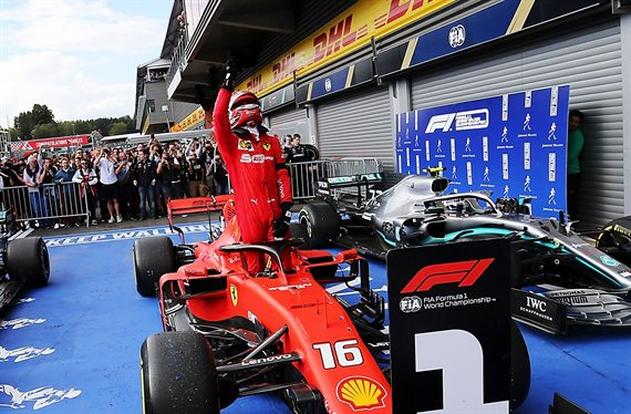 Lewis Hamilton humilla a Vettel para alabar a Leclrec